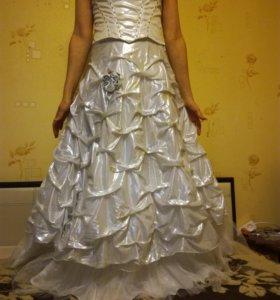 Отдам свадебное платье( юбка,корсет)