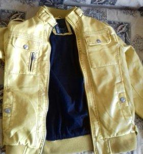 Куртка с утеплителем новая