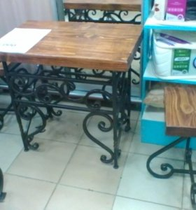 Журнальный столик, 2 стульчика