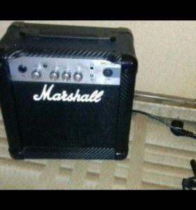 Усилитель гитарный  Marshall MG10CF combo