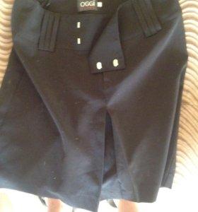Юбка черная джинсы черные,серые,белые.топик блузка