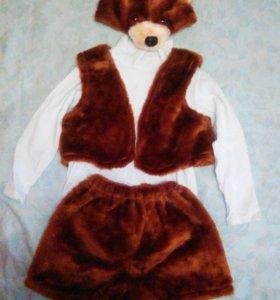 Костюм медведя на 3-5 лет, львенка 2-5 лет.