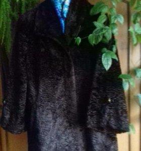 Продам меховое пальто.Торг