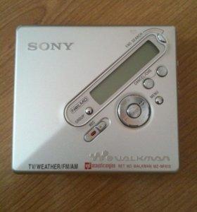 Минидисковый МР3 плеер Sony.