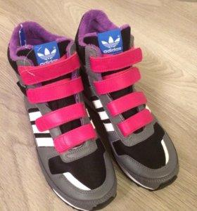 Новые, кроссовки Фирма Adidas, оригинал.