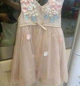Платье нарядное для девочки 1,5-2 года