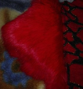 Кофточка с меховыми рукавами