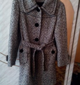 Продаю пальто в хорошем состоянии