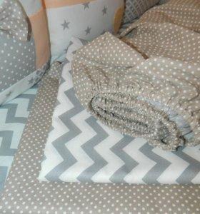 Простынь на резинке ,постельное в детскую кроватку