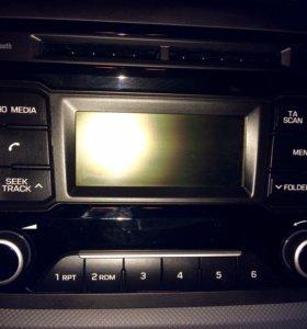 Штатная автомагнитола на автомобиль Хендэ Creta.
