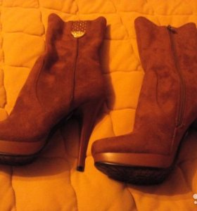 Новые ботинки 36 размера