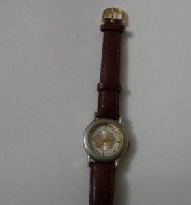 Изящные женские часы Seiko, Япония