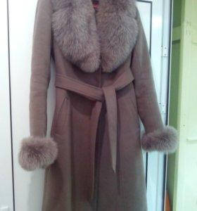 Продам зимнее пальто.