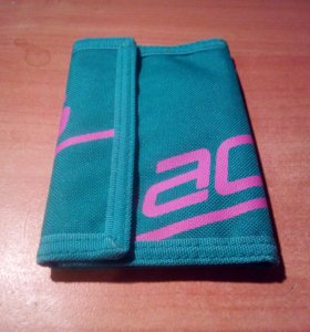 Спортивный кошелек Adidas .