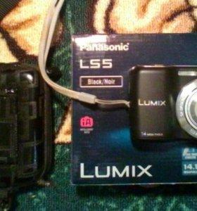 Фотоаппарат Panasonic Lumix LS-5 и кофр