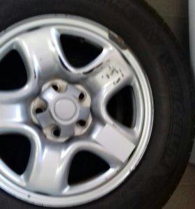 Зимняя с дисками. Диски с Toyota RAV4. 4 шт.