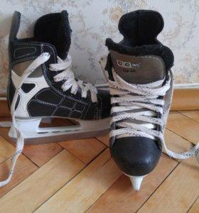 Коньки хоккейные, детские