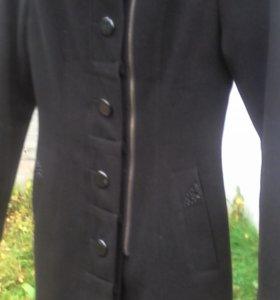 350р.пальто демисезонное