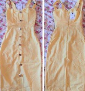 Силуэтное платье подчёркивающее достоинства фигуры