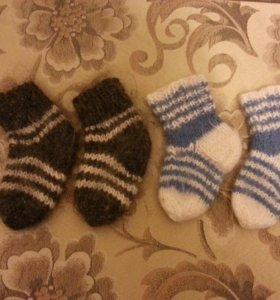 Носочки и варежки детские шерстяные