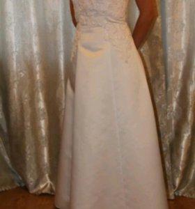 Свадебное платье 44р, туфли в подарок