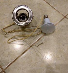 Светильник и лампочка