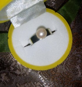 Кольцо с натуральным жемчугом