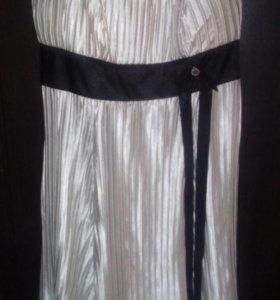 Шикарное платье на бретелях