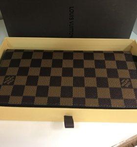 Кошельки и портмоне Louis Vuitton