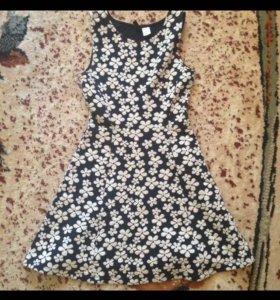 Платье в цветок слегка утеплённое