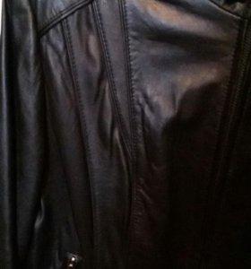 Куртка кожанка;женская,новая.