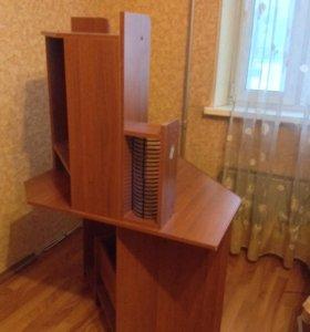 Продам компьютерный стол. Самовывоз Новокосино.