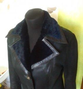 Кожаное меховое пальто-дубленка 44-46