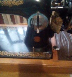 Швейная ручная машинка
