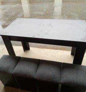 Стол с табуретками