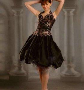 Платье вечернее чёрное с золотом