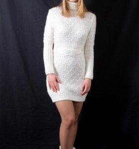 Платье вязаное, шерстяное.