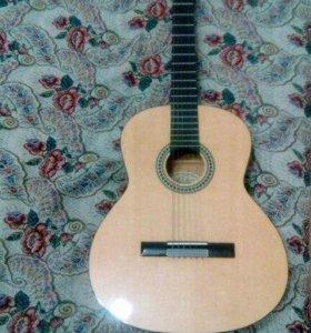 Гитара Акустика В прекрасном состоянии
