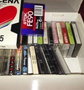 Продам аудиокассеты б/у,1 неиспользованную видео.