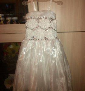 Платье на 4-6лет