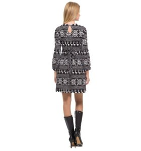 Платье с зимним принтом