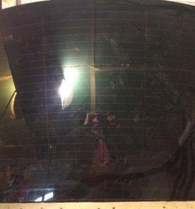 Заднее стекло на Ауди а6 2003