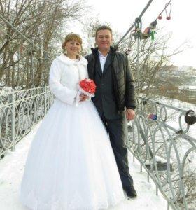 Платье свадебное +шубка и полусапожки
