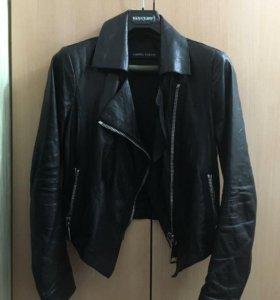 Кожаная куртка Alberto Fabiani женская