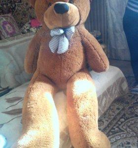 Медведь плюшевй коричневый  рост 150 см