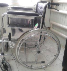 Кресло коляска с фиксированными подлокотниками