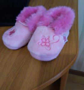 Первая обувь девочки