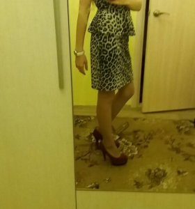 Платье с баской из инсити