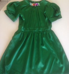 Платья 2 шт на 6-8 лет