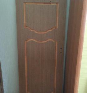 Дверь входная деревянная
